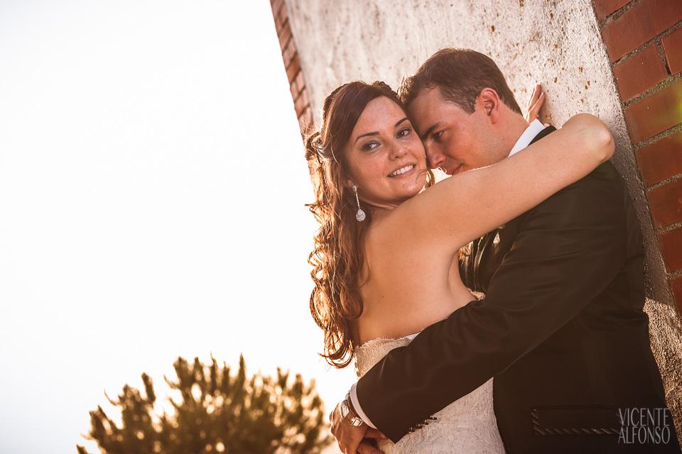 Quique y Francis por el fotógrafo de bodas Vicente Alfonso en Zarza Capilla Badajoz España