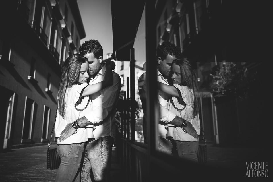 Engagement shoot in Spain, Wedding in Spain, Bodas en España, Fotógrafía bodas, Fotógrafo de Bodas, Bodas España, Spain wedding photographer, Spanish wedding photographer, Best Spain wedding photographer, Vicente Alfonso, Wedding in Madrid, Bodas en Madrid, Fotógrafo bodas Madrid, Mejor fotógrafo bodas Madrid, Destination Wedding Photography, Fotógrafo de destinos, Fotógrafo internacional, Reportajes de boda, Reportajes Fotografía Madrid, Bodas en Madrid, Mejor fotógrafo bodas, Preboda Gran vía, Prebodas en Madrid, Reportaje Carlos y Ana, Preboda Templo de Debod, Reportajes en Gran Vía, Paseos Centro de Madrid, Reportajes Centro de Madrid, Boda Boadilla del Monte, Reportajes en Boadilla, Fotografía en el Templo de Debod