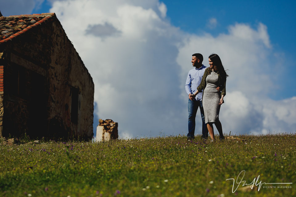 Engagement shoot in Spain, Wedding in Spain, Bodas en España, Fotógrafía bodas, Fotógrafo de Bodas, Bodas España, Spain wedding photographer, Spanish wedding photographer, Best Spain wedding photographer, Vicente Alfonso, Wedding in Cáceres, Bodas en Cáceres, Fotógrafo bodas Cáceres, Mejor fotógrafo bodas Cáceres, Destination Wedding Photography, Fotógrafo de destinos, Fotógrafo internacional, Reportajes de boda, Reportajes Fotografía Cáceres, Mejor fotógrafo bodas, Preboda Fresnedoso, Prebodas en Cáceres, Reportaje Héctor y Lorena, Preboda en los Ibores, Reportajes en Los Ibores, Paseos Centro de Montaña, Engagement shoot in Cáceres, Shooting in Cáceres, Phtography in Spain, Professional photographer in Cáceres, Weeding Photographer Cáceres