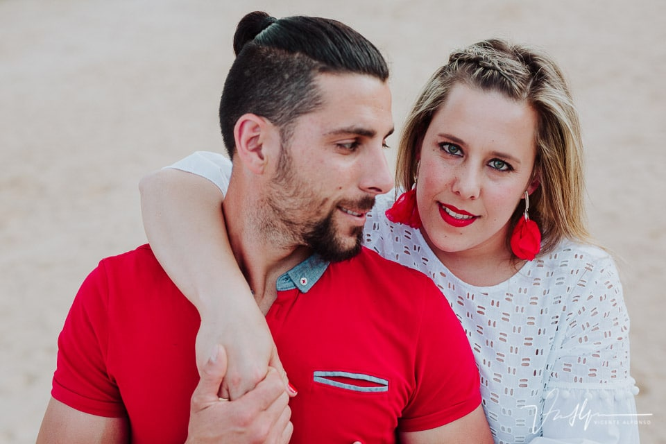 Fotografía de preboda, pareja en la Isla de Valdecañas, El Gordo