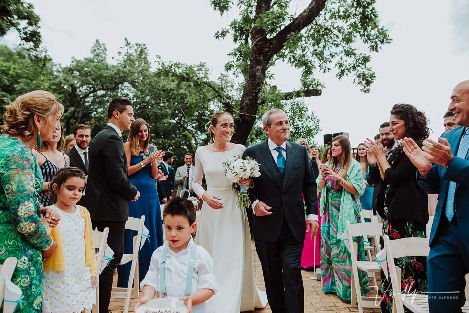 Entrada ceremonia civil de la novia en el Ruta Imperial Gastro Eventos