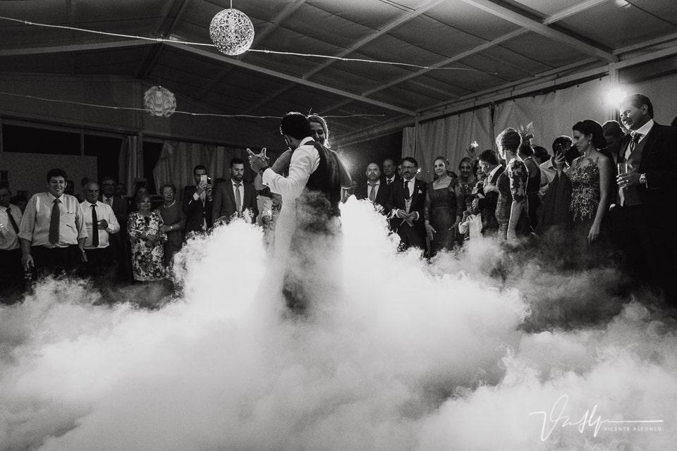 Baile con humo en el hotel valle de gredos