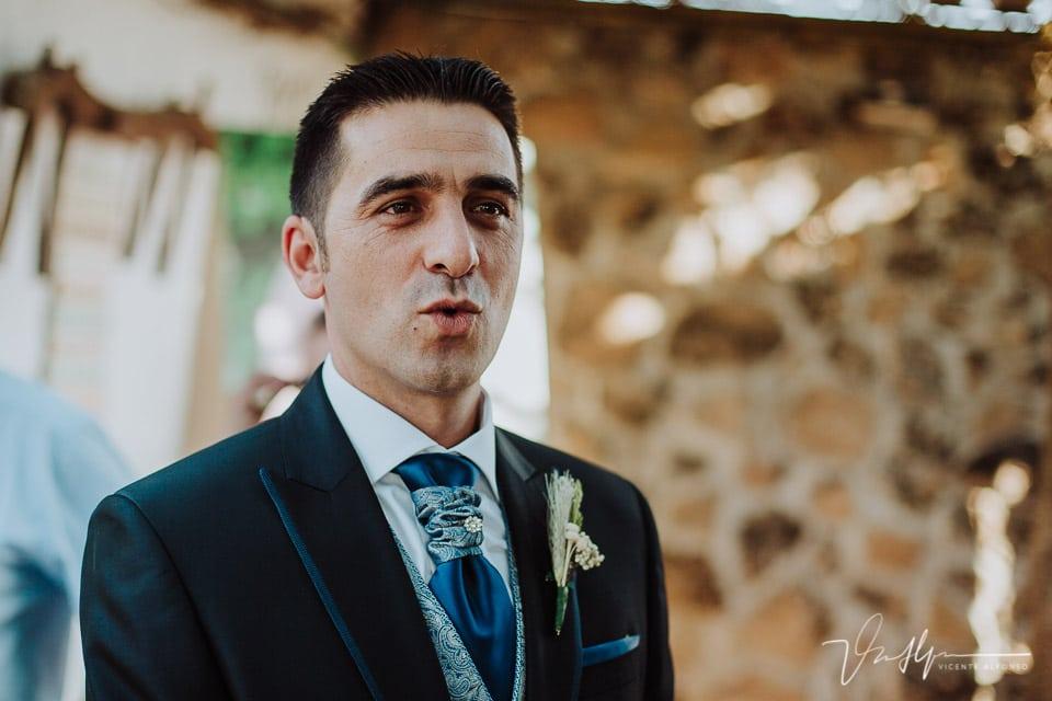 Expresión del novio al ver a la novia llegar