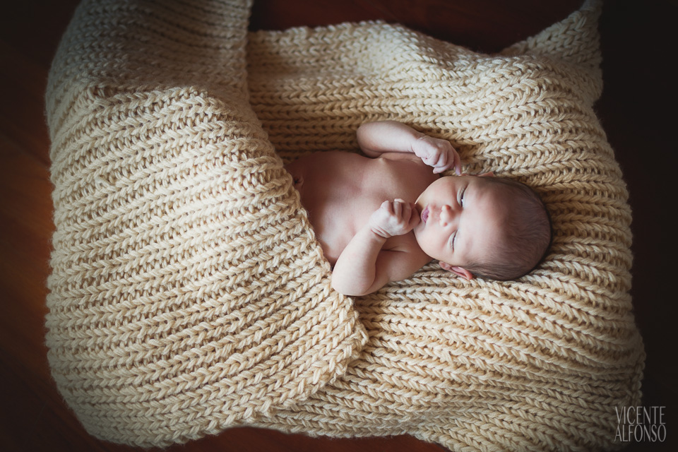 Érica fotografía newborn recién nacido Madrid Vicente Alfonso fotógrafo