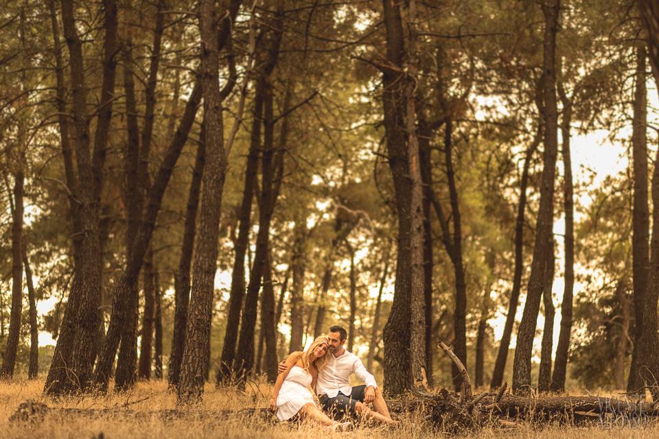 Reportajes de pareja naturales en el campo