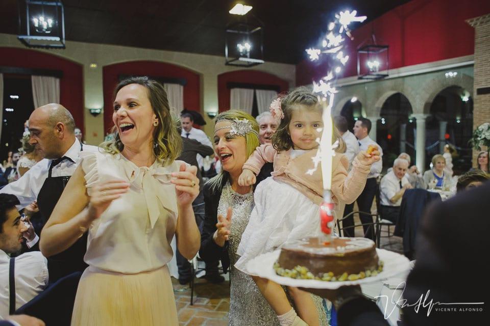 Regalo tarta cumpleaños en la boda