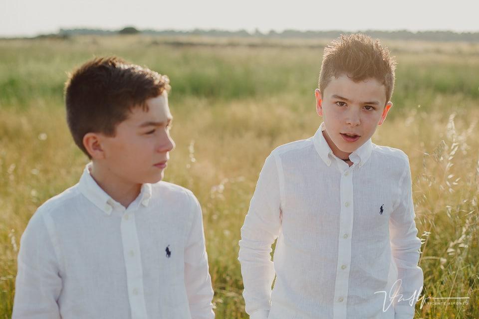 retrato hermanos gemelos