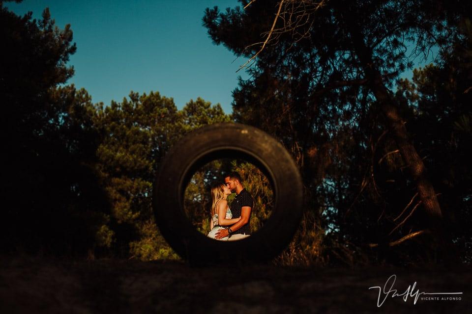Fotografía de reportaje a través de una rueda