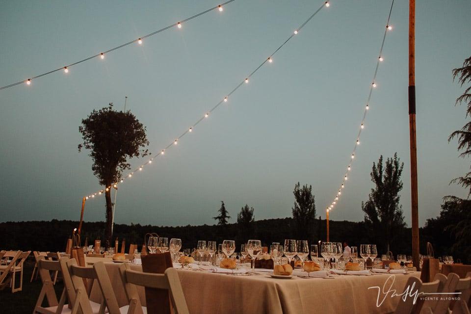 Detalle mesas en la Quinta de la Cerca por Luis Miguel Burcio