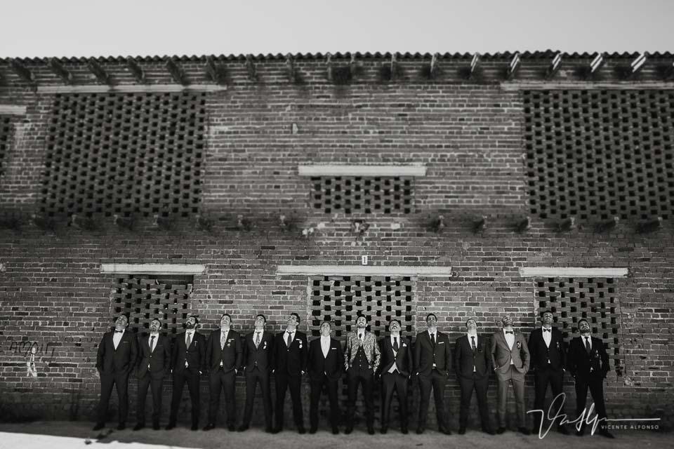 Foto grupal muy espectacular en la boda en Talayuela