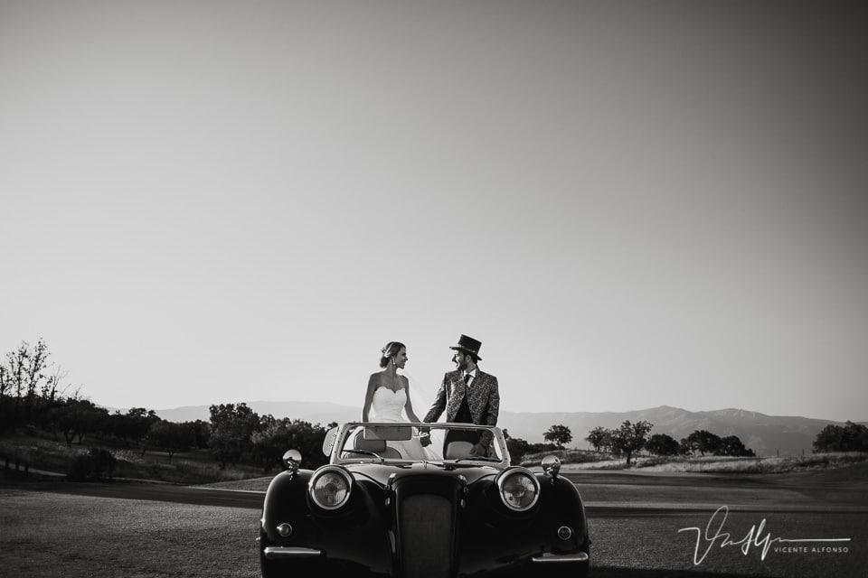 Reportaje en coche clásico descapotable en el Hotel Valle de Gredos