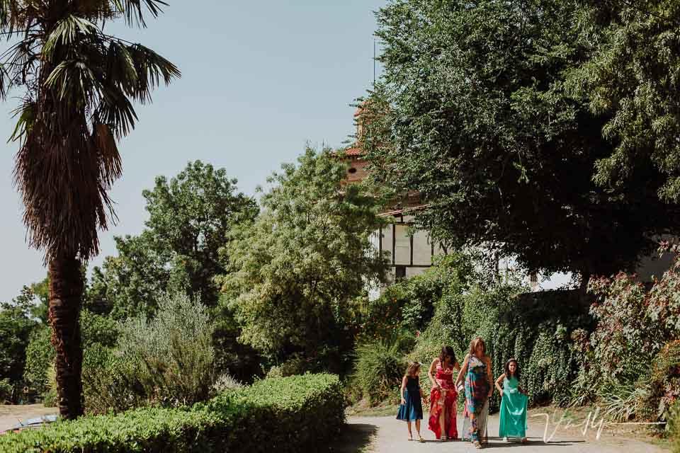Invitado de la boda en la Iglesia de Chilla en Candeleda
