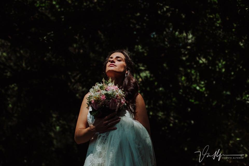 Reportaje de fotos de los novios en la boda en Chilla en Candeleda 01