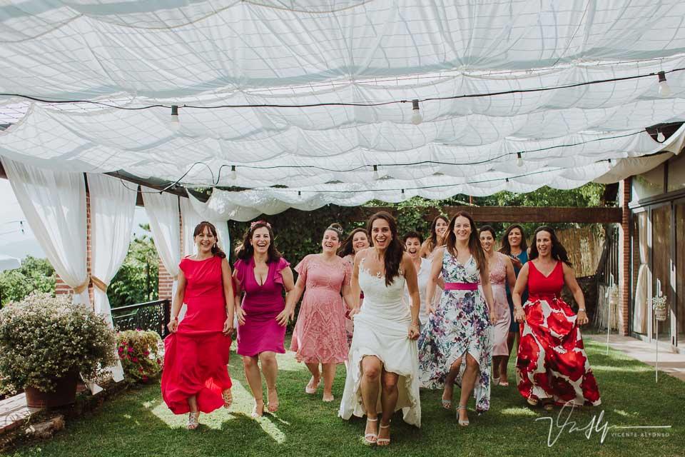 Detalle de boda emotivos y divertidos en el Mirador de Gredos en el Raso 05