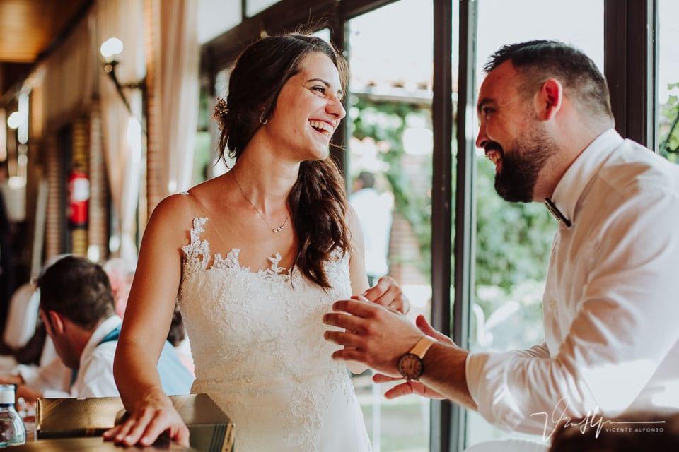 Detalle de boda emotivos y divertidos en el Mirador de Gredos en el Raso 10