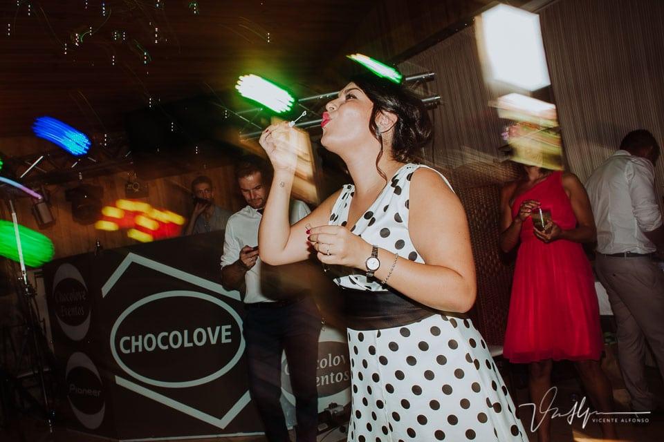 Detalle de boda del Baile y barra libre en el Mirador de Gredos en el Raso y la empresa Choco Love 01