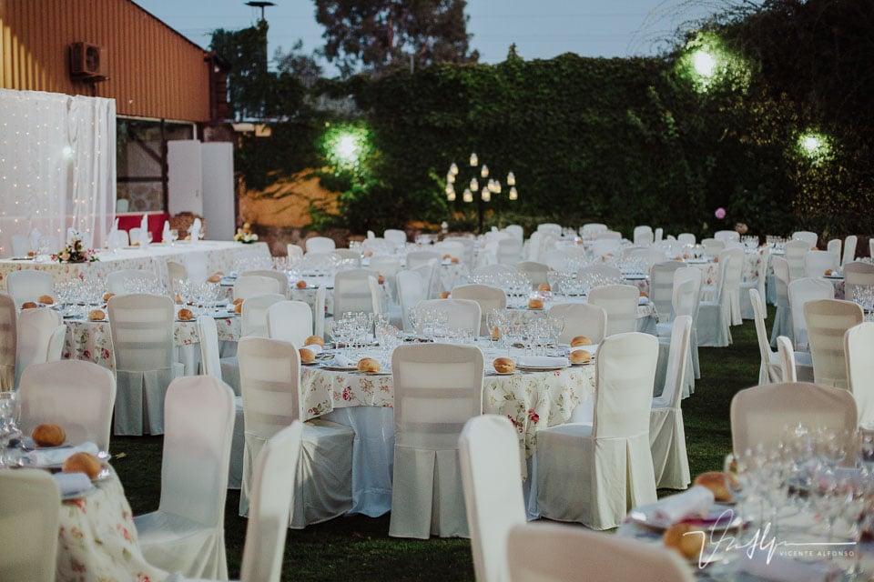 Detalle mesas banquete en Los Aperos en Navalmoral de la Mata