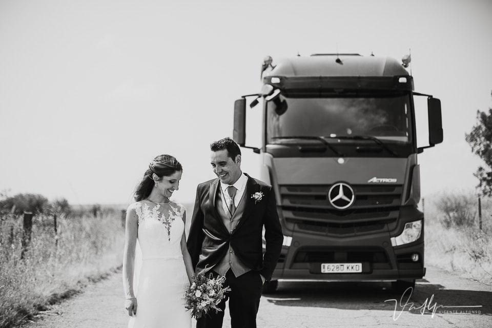 reportaje de boda con camión