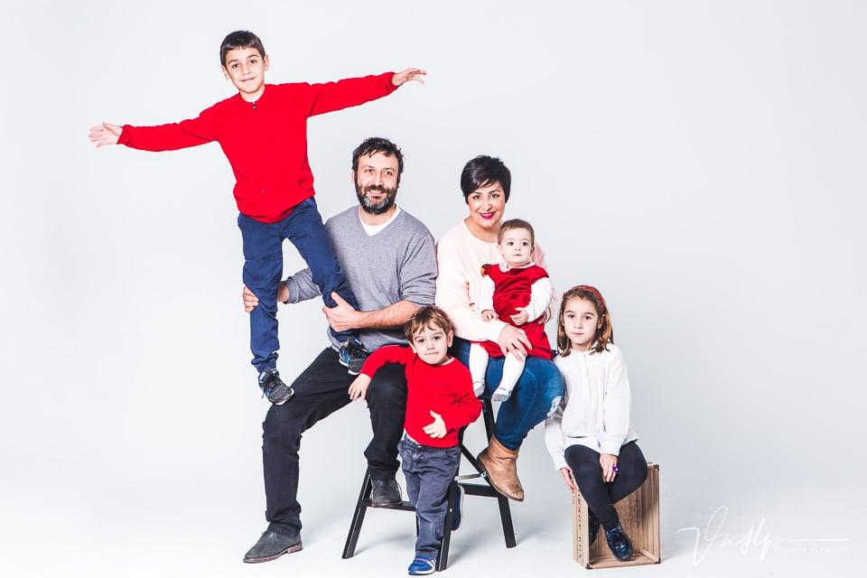 Fotografía de hermanos e hijos en estudio