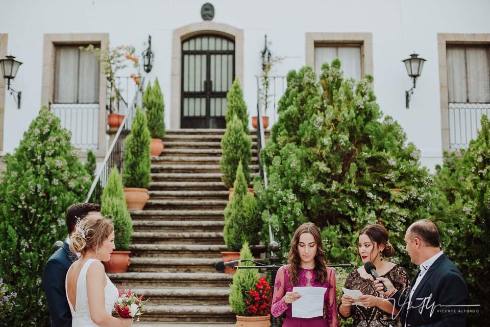 lectura familiares novia en la ceremonia