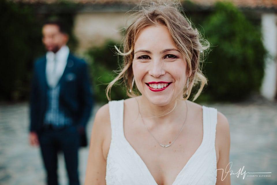 Plano cerrado sonrisa novia