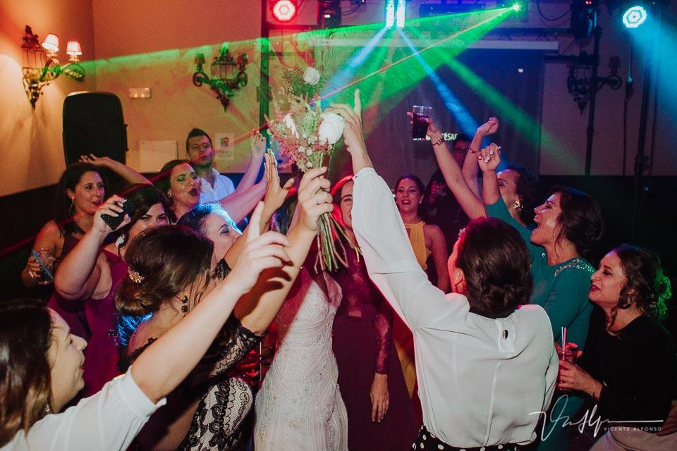 brindis de todos los amigos de la boda