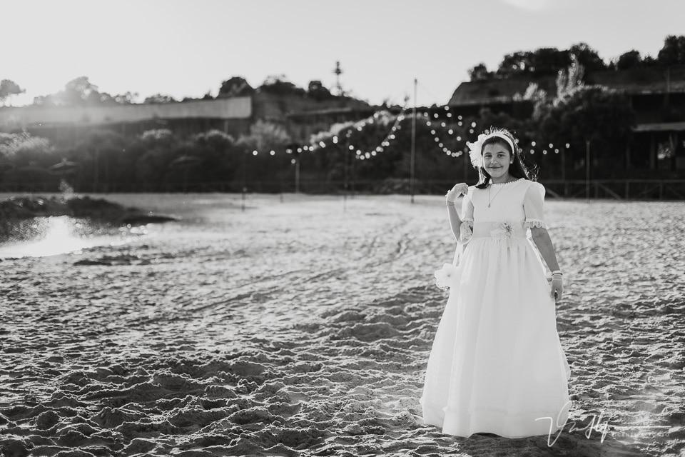 Reportaje de comunión en la playa artificial del Hotel Vincci Valdecañas
