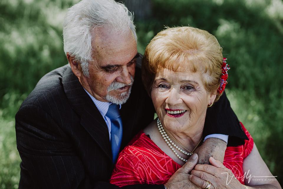 Abrazo 50 años de casados