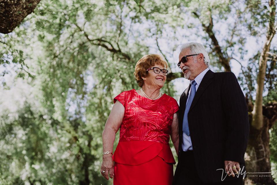 Abuelos en sus bodas de oro