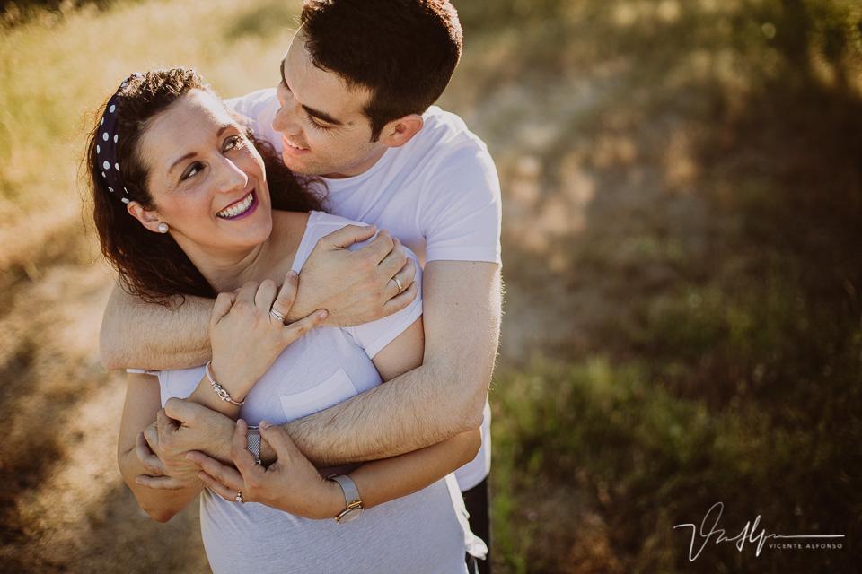 Reportajes de embarazo naturales en exteriores y familiares
