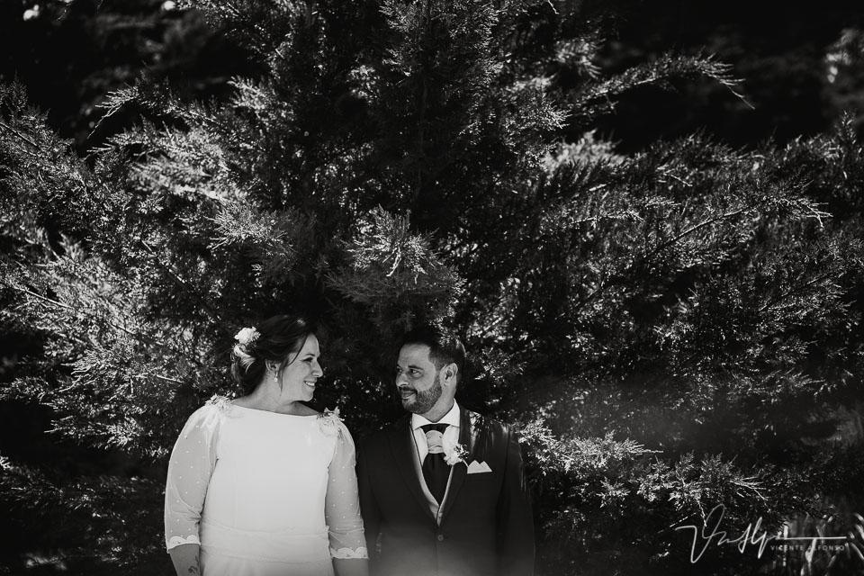 Reportaje de boda de los novios en los salones antonio 9