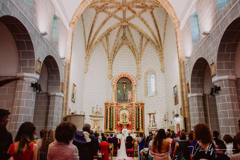 fotografía del interior de la iglesia de Jarandilla de la Vera