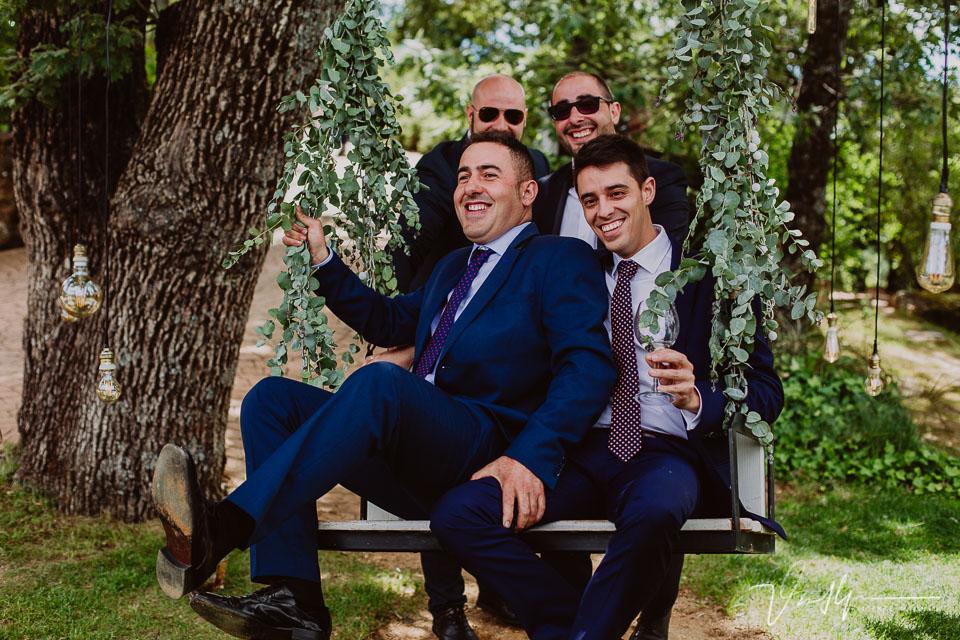 Amigos y familiares en el cóctel de boda, detalles en el ruta imperial 05