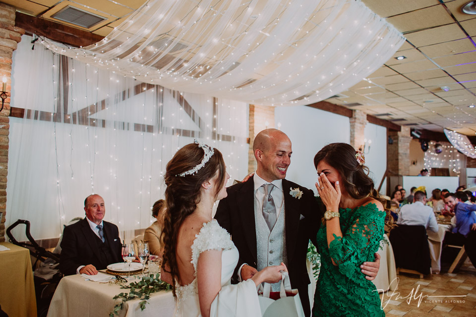 Momentos y detalles de boda en el ruta imperial en La Vera, fotografía de boda diferente y especial 01