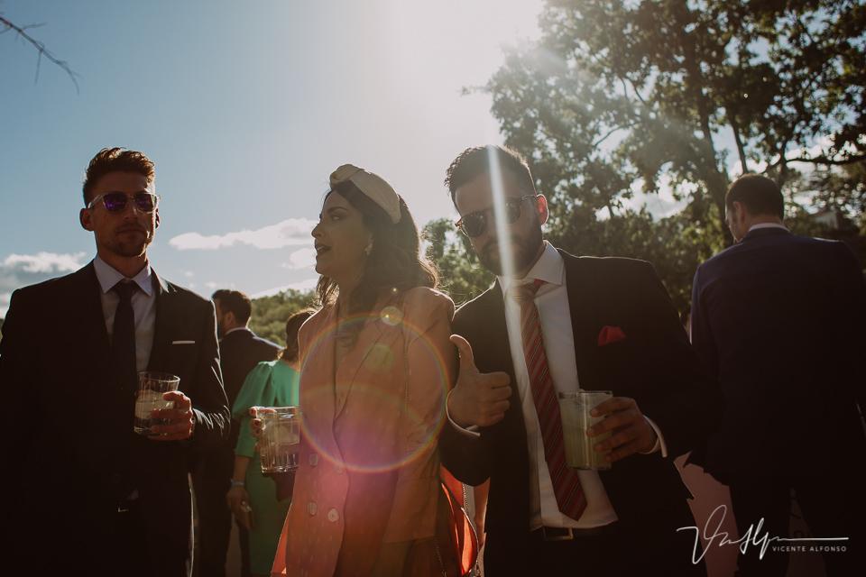 Fotografía de boda de ambiente en el ruta imperial en la Vera, música en directo 01