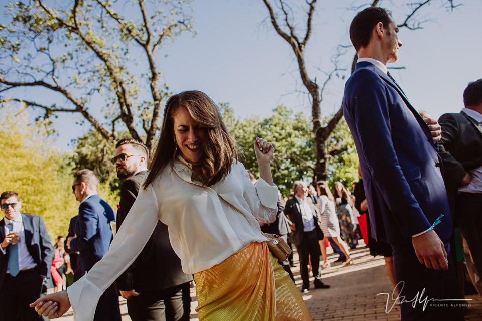 Fotografía de boda de ambiente en el ruta imperial en la Vera, música en directo 02