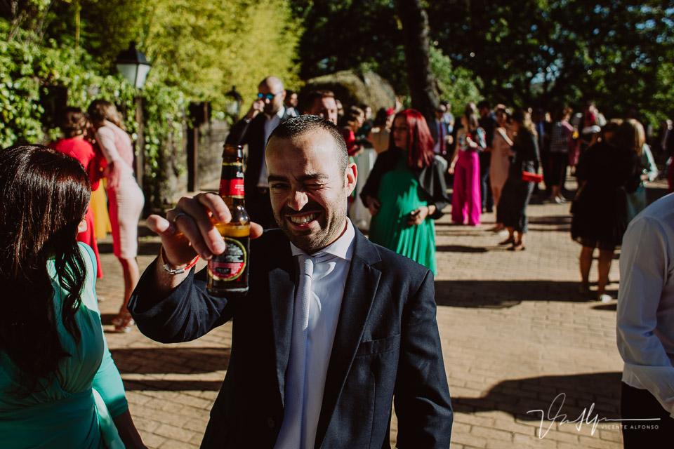 Fotografía de boda de ambiente en el ruta imperial en la Vera, música en directo 04
