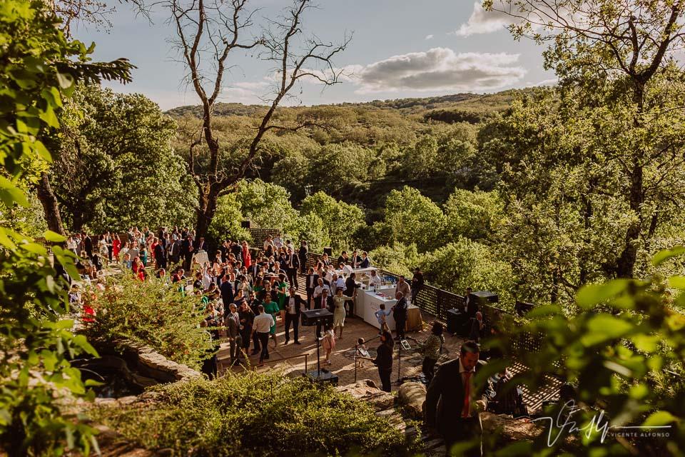 Fotografía de boda de ambiente en el ruta imperial en la Vera, música en directo 10