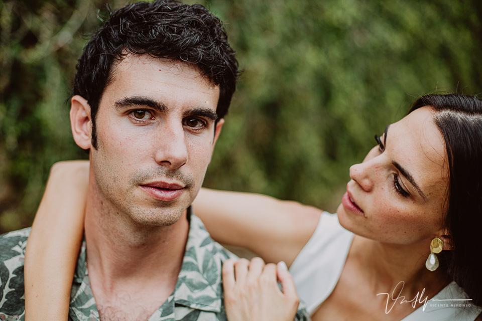 Retrato cerrado pareja en la Vera