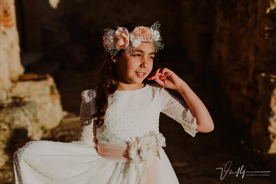 Fotografía niña comunión con tocado