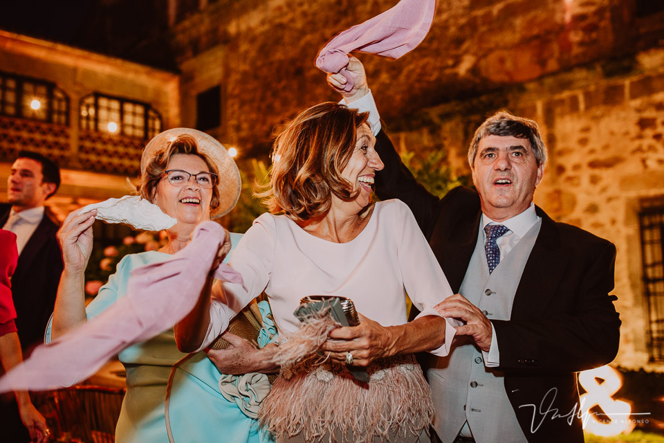Reportaje de boda en Palacio en Pasarón de la Vera con Catering Tahón