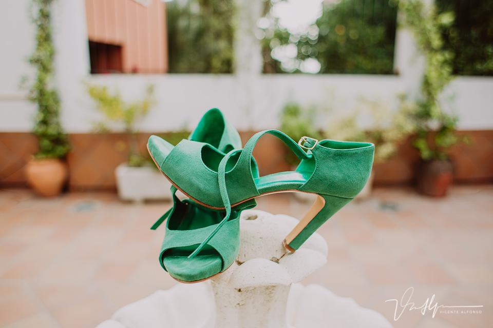 Reportajes de boda naturales, detalles de la novia 01