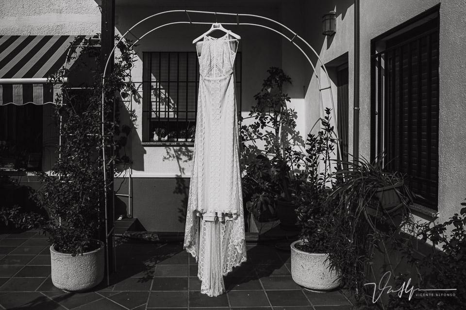 Reportajes de boda naturales, detalles de la novia 02