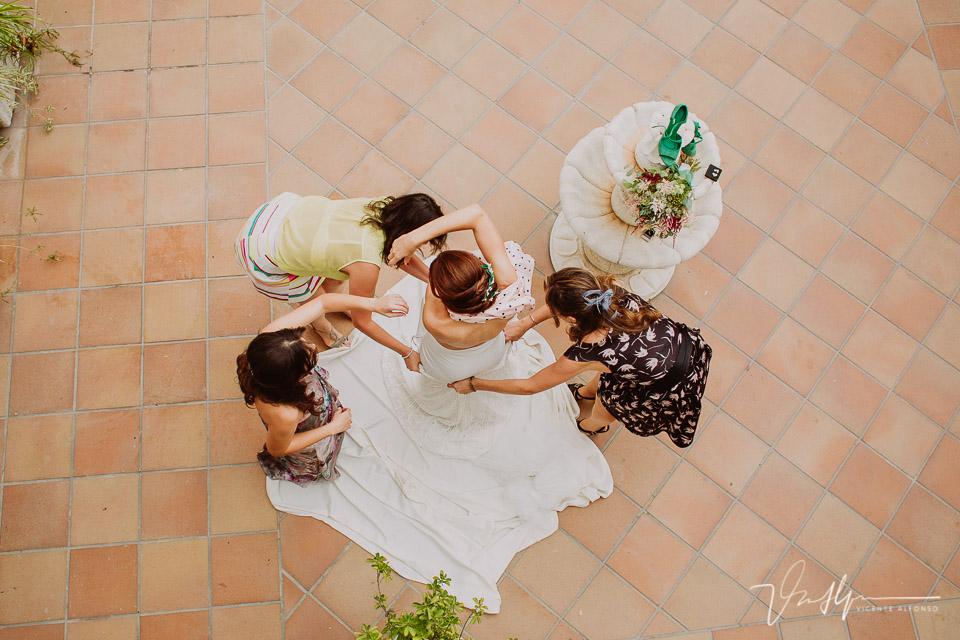Reportajes de boda naturales, detalles de la novia 03