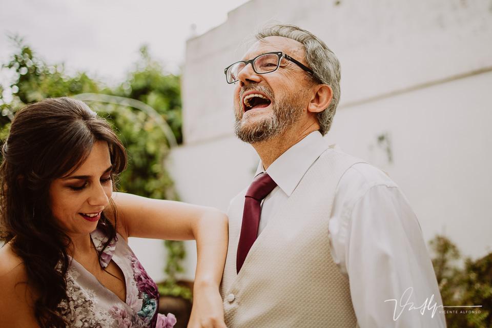 Reportajes de boda naturales, detalles de la novia 06