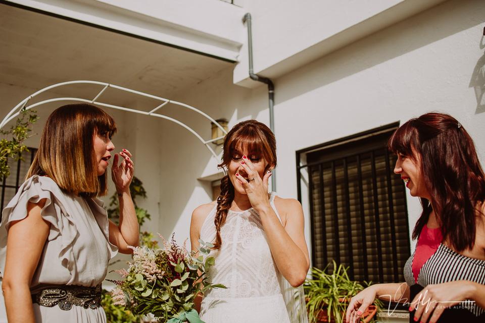 Reportajes de boda naturales, detalles de la novia 10
